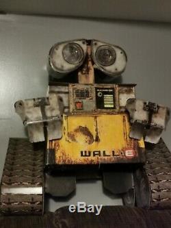 Disney / Pixar WALL-E 3-D Motion Sensored THEATRE DISPLAY- CINEMA RARE