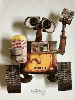 Disney / Pixar WALL-E 3-D WAVING COUNTER DISPLAY THEATRE CINEMA STANDEE RARE