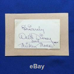 Couper L'autographe De Walt Disney Avec La Carte Mickey Mouse Encrée Dans L'artiste