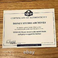Debbie Reynolds Propriété Personnelle Walt Disney Studio Archives Épée Pirate Avec Coa