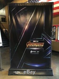 Disney Avengers Et Indestructibles 8x5 Pi. Affiche De Bannière En Vinyle Véritable Menthe
