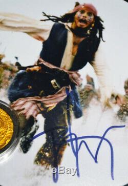 Johnny Depp, Signé, Pirates De La Caraibe, Pièce Disney Prop, Hublot Coa DVD Uacc