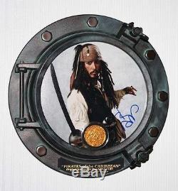 Johnny Depp Signé Pirates Of Caribbean, Disney Prop Pièce, Hublot Coa DVD Uacc