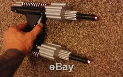 Rare Disney Movie Prop Le Pistolet Laser Black Sentry Sentry Robot 11 Non Humanoïde