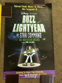 Signé Par Les Producteurs Exec Disney Buzz Lightyear De Star Commande Poster Toy Story