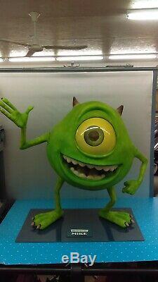 Taille Réelle Disney Pixar Monsters Inc. Mike Wazowski 33 Statue De Cinéma Prop