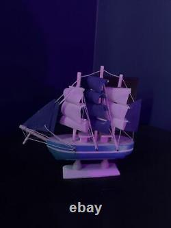 Voilier Modèle Disney Movie Prop De 20.000 Leagues Under The Sea